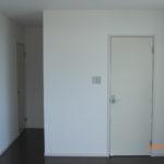 寝室(入口ドア、ウォークインクローゼットドア)