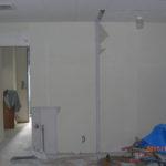 ドア設置位置の壁一部解体